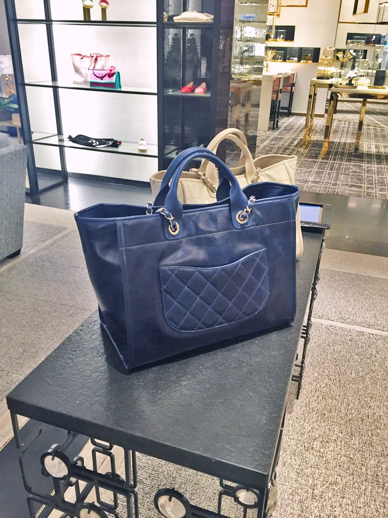 446a5801b6f8 (back side details) Chanel Deauville leather large tote in navy blue and  white color 2016
