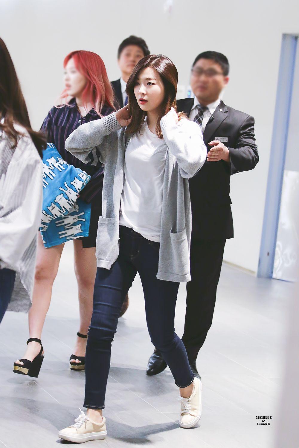 Seulgi Fashion Seulgi Airport Fashion Seulgi Airport 2016 Red Velvet Seulgi 2016 Seulgi Outfits Gaya Model Pakaian Korea Gaya Model Pakaian Pakaian Trendi
