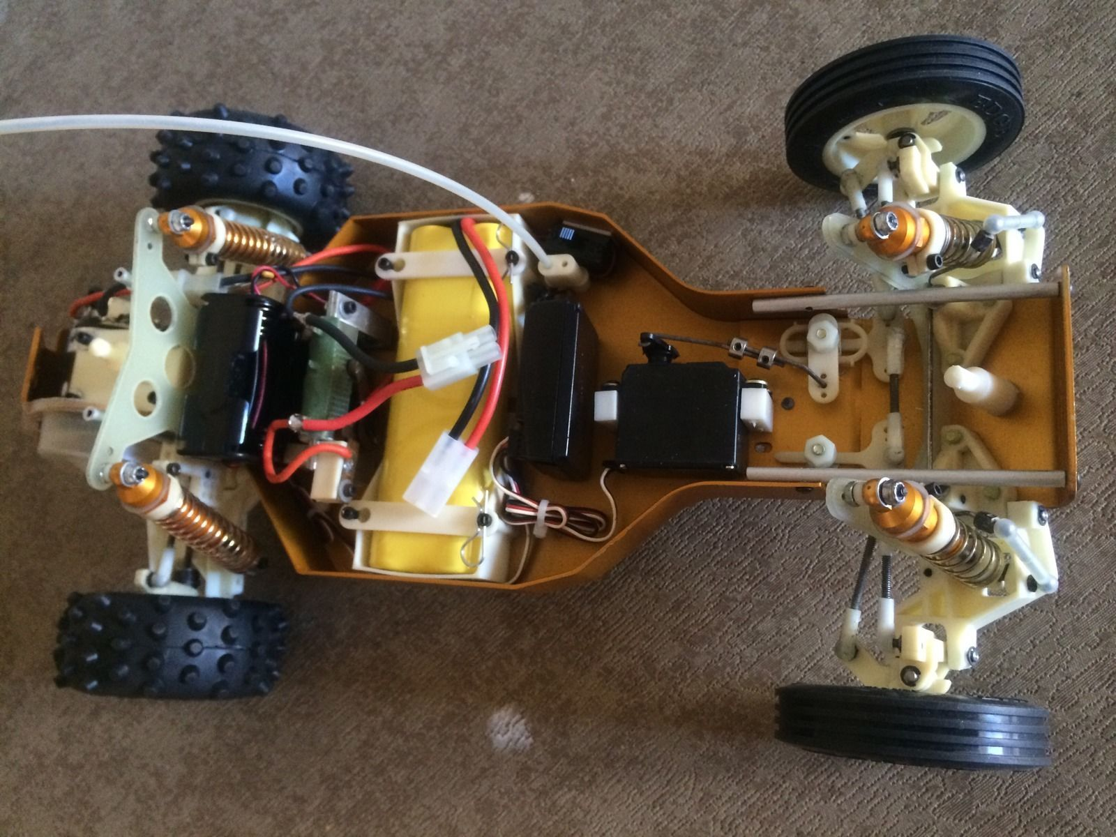 Original Team Associated RC10 6016 Gold Tub Classic Buggy not Reissue