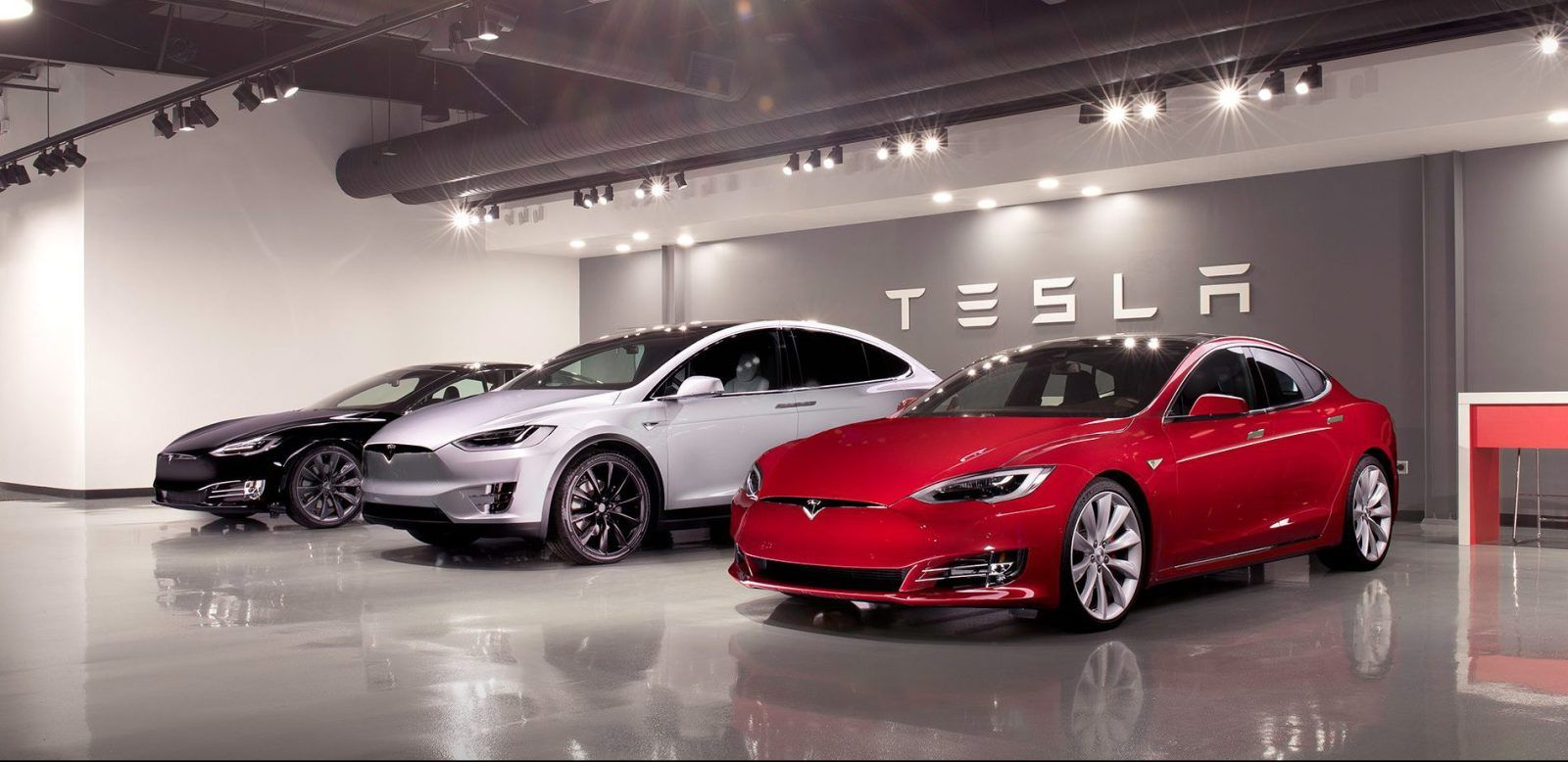 Tesla Updates Model S And Model X Options Makes Premium Features
