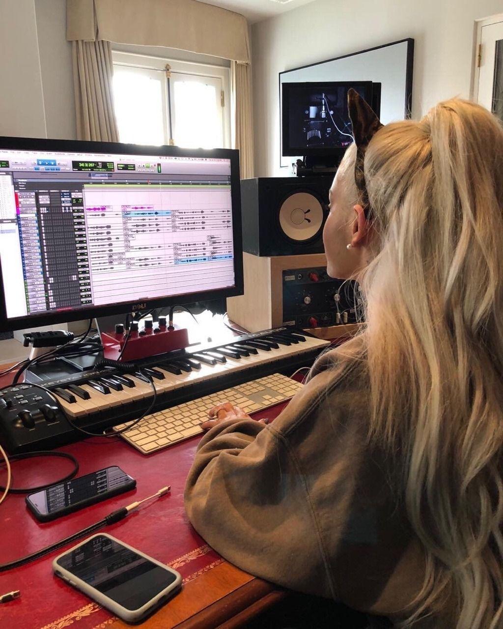 Ariana Grande News: Photo
