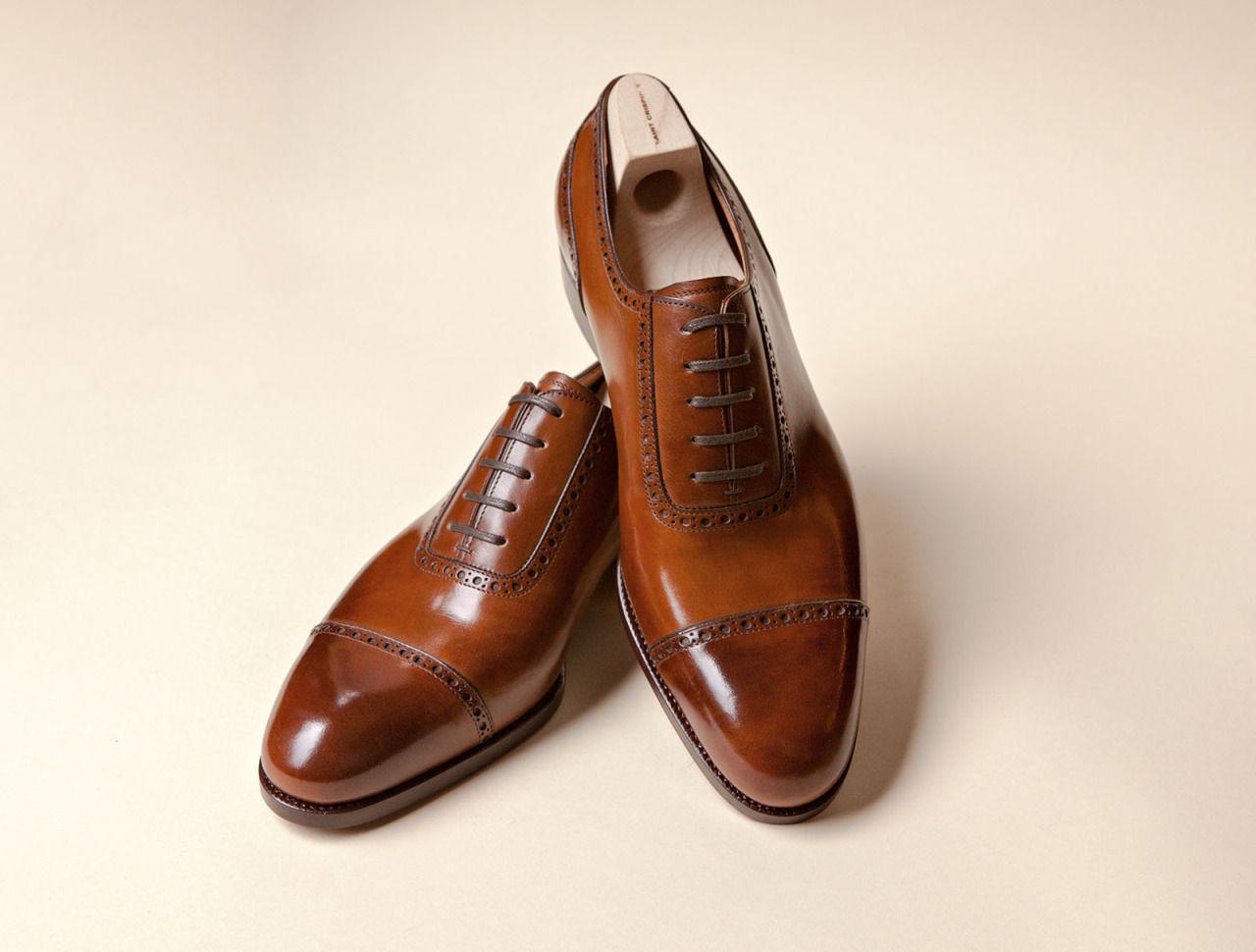 Светлокафяви обувки