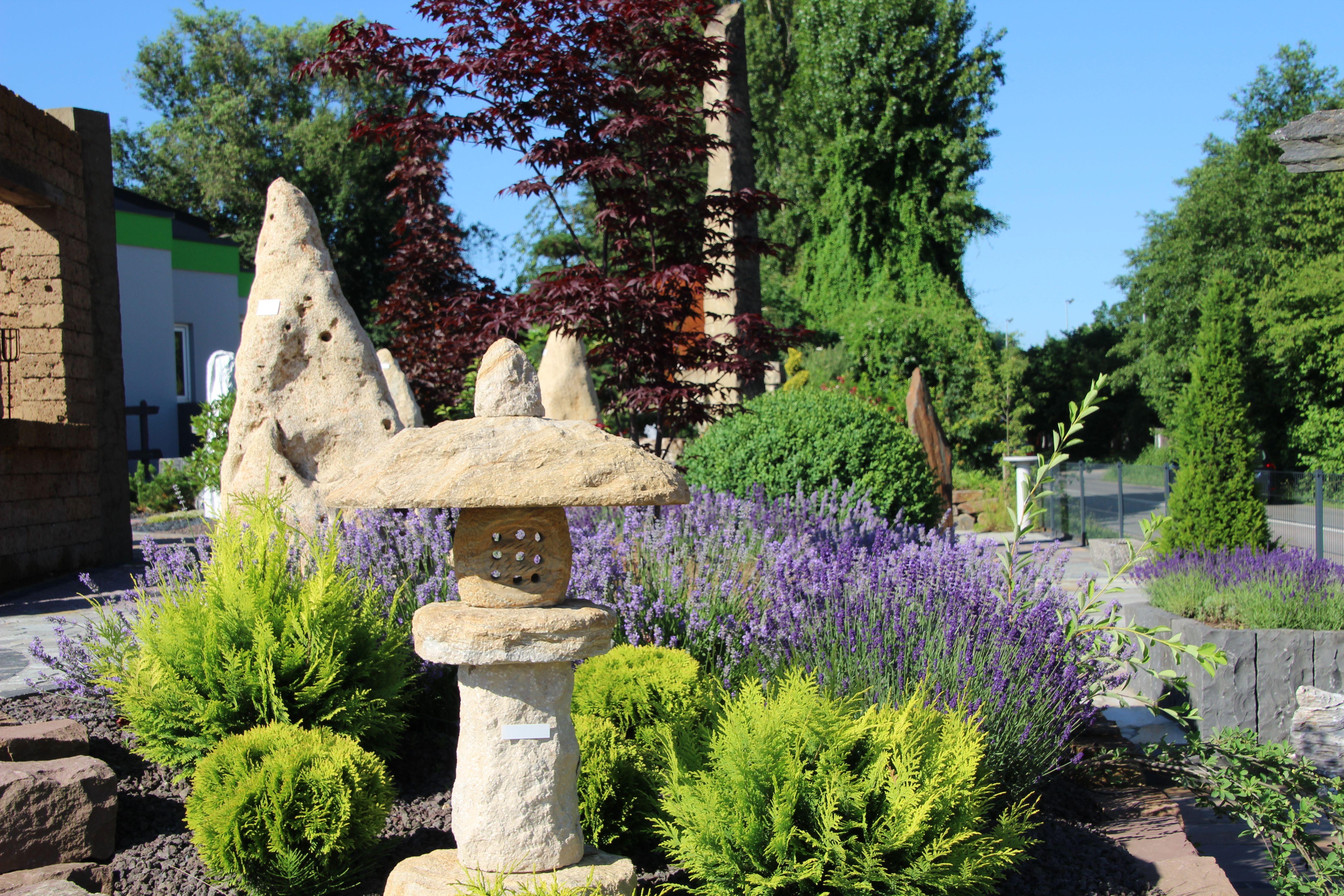Garten ▫ Terrasse ▫ Außengestaltung ▫ Dekoideen ▫ Lava Splitt ...