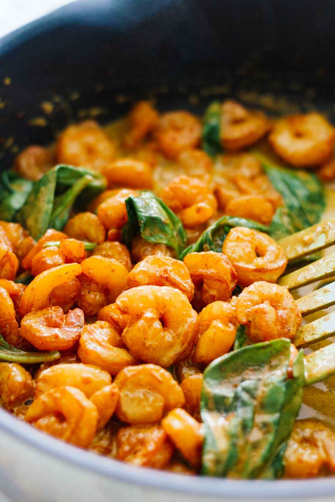 Thai Coconut Curry Shrimp! Healthy, gluten free, 30 minutes or less. Perfect for an easy weeknight dinner!