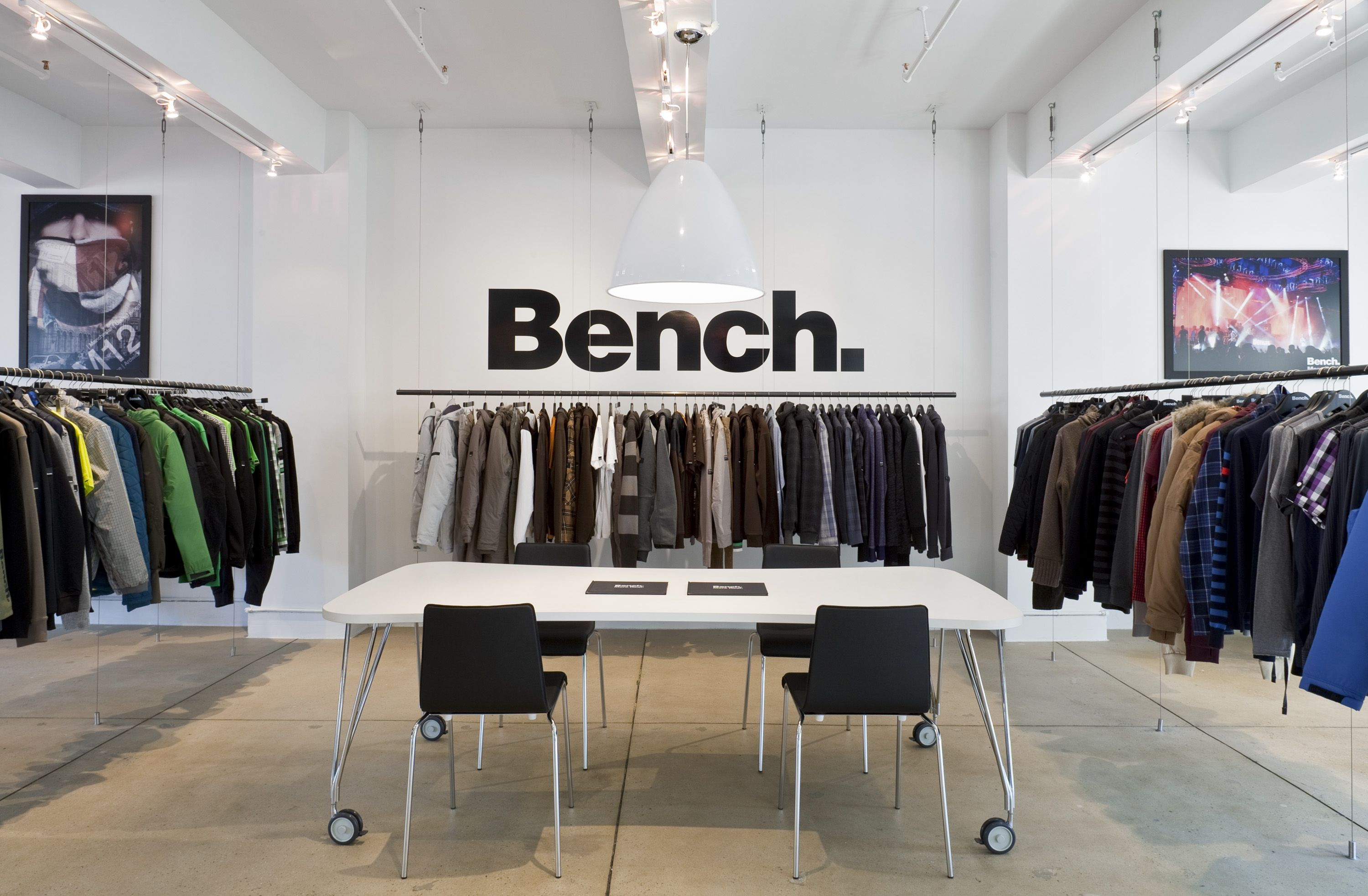 Bench The Activewear Fashion Label Based In The Uk Contracted Bryan Johnson Design To Conceptualize And Execute T Furniture Packages Showroom Design Interior