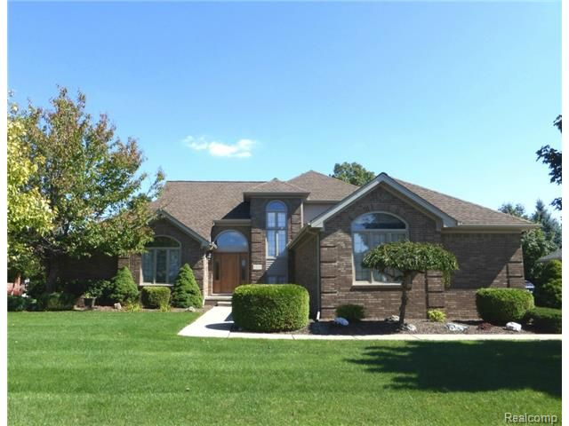 43174 Winterfield Drive Sterling Heights Mi 48314 Michigan Homes For Sale House Styles Sterling Heights