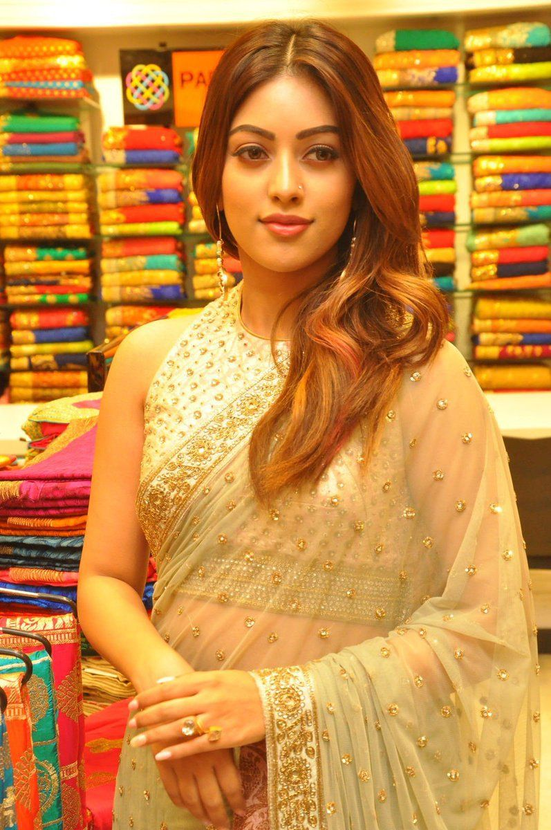 Actress Enuemmanuel Latest Hd Images Anushkashetty Agnyaathavaasi Pawankalyan  -9044