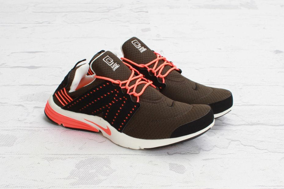 best website fe4a2 fdf73 Nike Lunar Presto Deep Smoke Total Crimson  After releasing Strata Grey Night  Stadium and Neo Turquoise Volt colorways of the hybrid