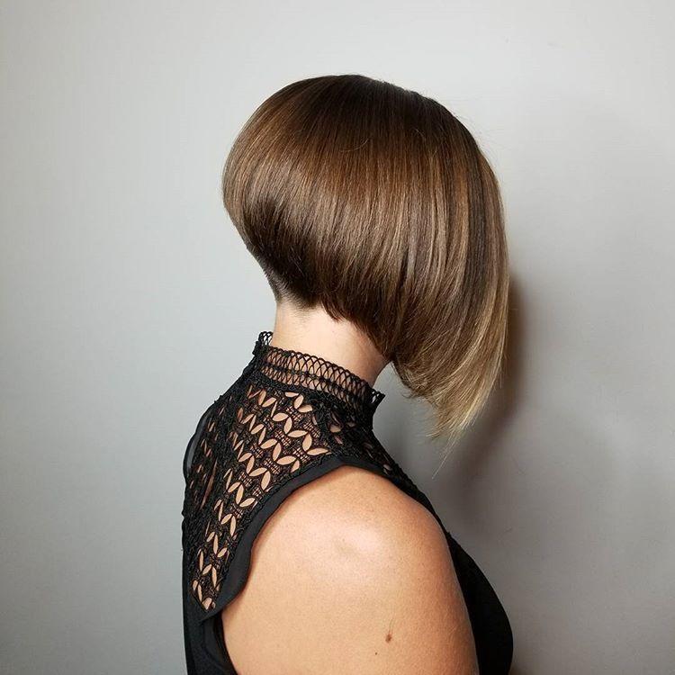 Pin Adăugat De Ionut Viorel Pe Pgu în 2019 Bob Hairstyles Short