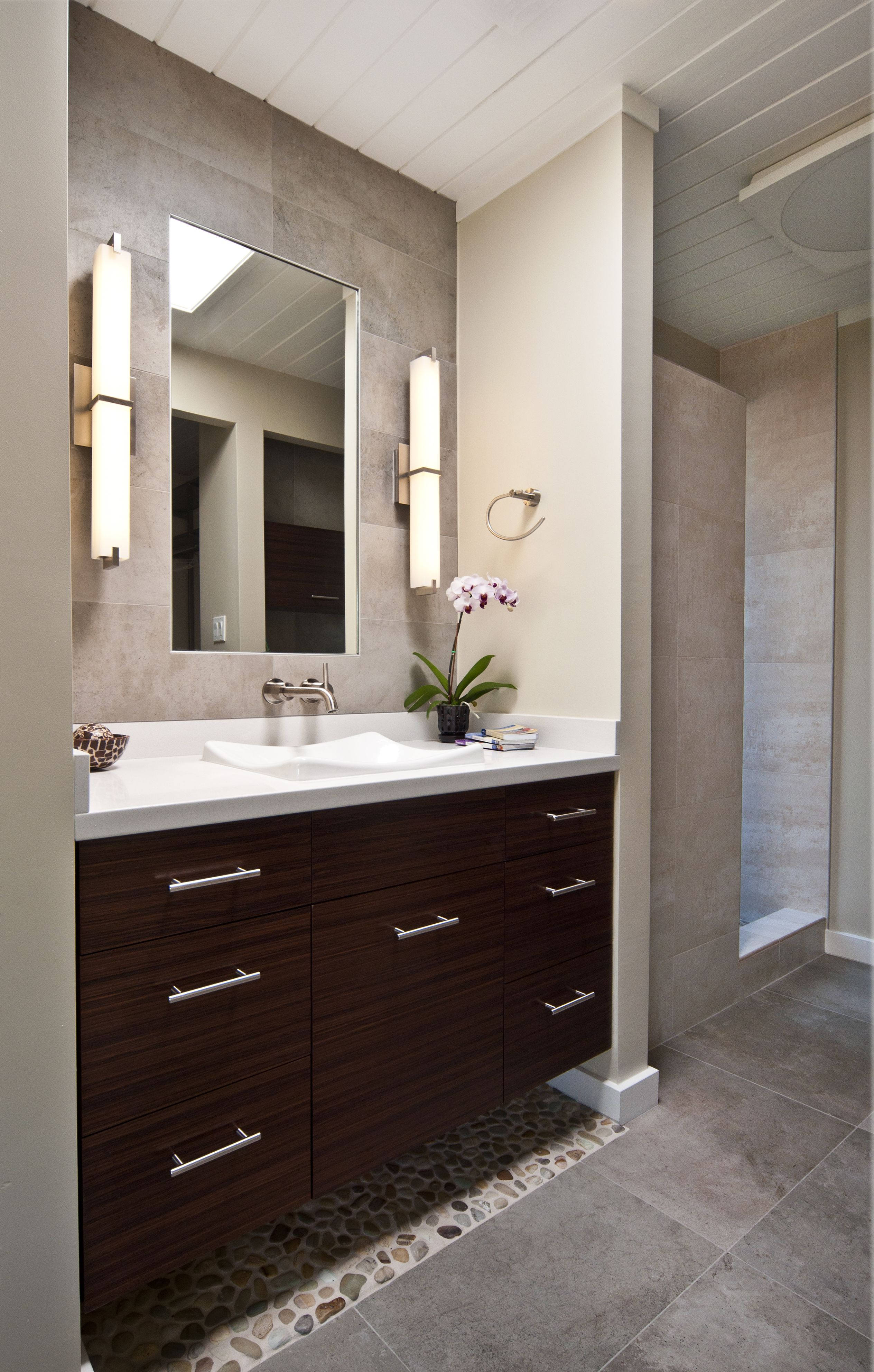 Pin By Sailaja On Bath Room With Images Bathroom Remodel Small Budget Bathroom Inspiration Modern Washbasin Design