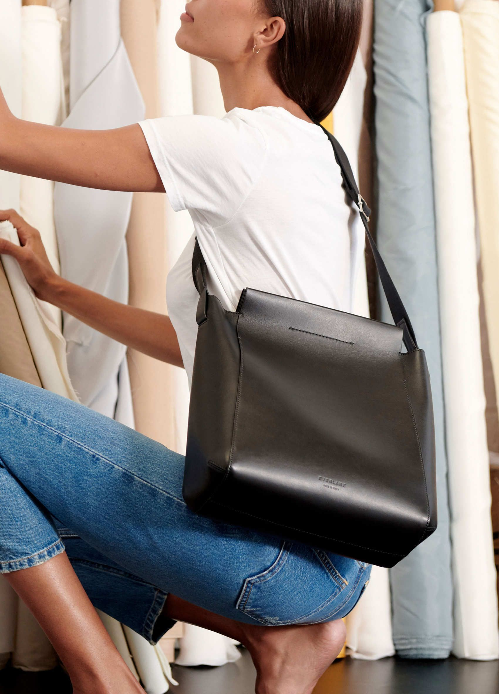 a9bd3a461 Everlane The Form Bag   Style   Bags, Black leather bags, Everlane shoes