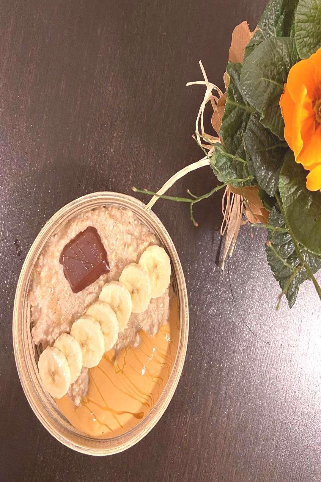 #oatmealbowl #cauliflower #cinnamon #versio #lower #with #carb #food #and #for #a Oatmealbowl with cinnamon and cauliflower for a lower carb versioYou can find Breakfast ideas and more on our website.Oatmealbowl with cinnamon an...