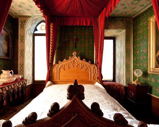 Schlafzimmer in Schloss Lichtenstein auf der Schwäbischen Alb ...