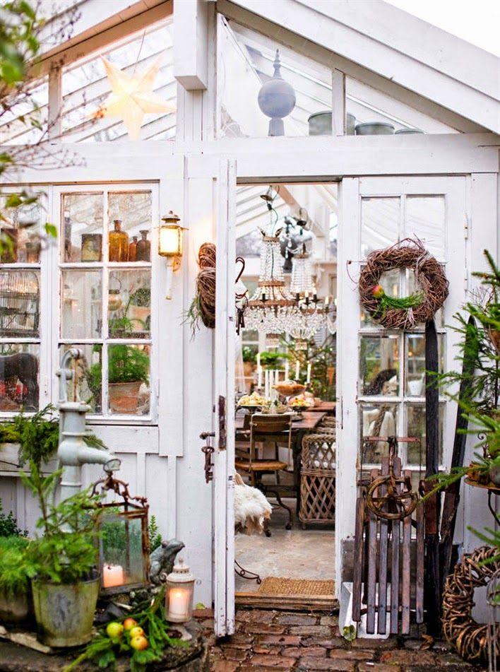 Keltainen talo rannalla: Joulukoteja ja joulutunnelmaa
