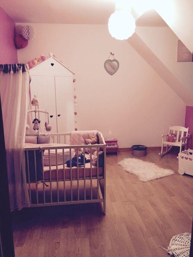 Chambre bébé fille, blanc, rose, gris Thème Poème de chez Candide