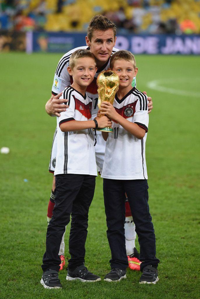 Miroslav Klose Photos Photos Germany V Argentina Germany Football Team Germany Football Soccer Trophy