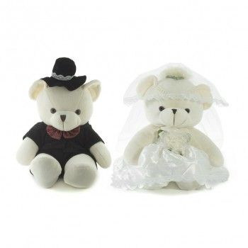 Cute bride and groom teddy bears ~ By: Black Queen http://www.wedding.com.my/category-accessories-and-shoes/2