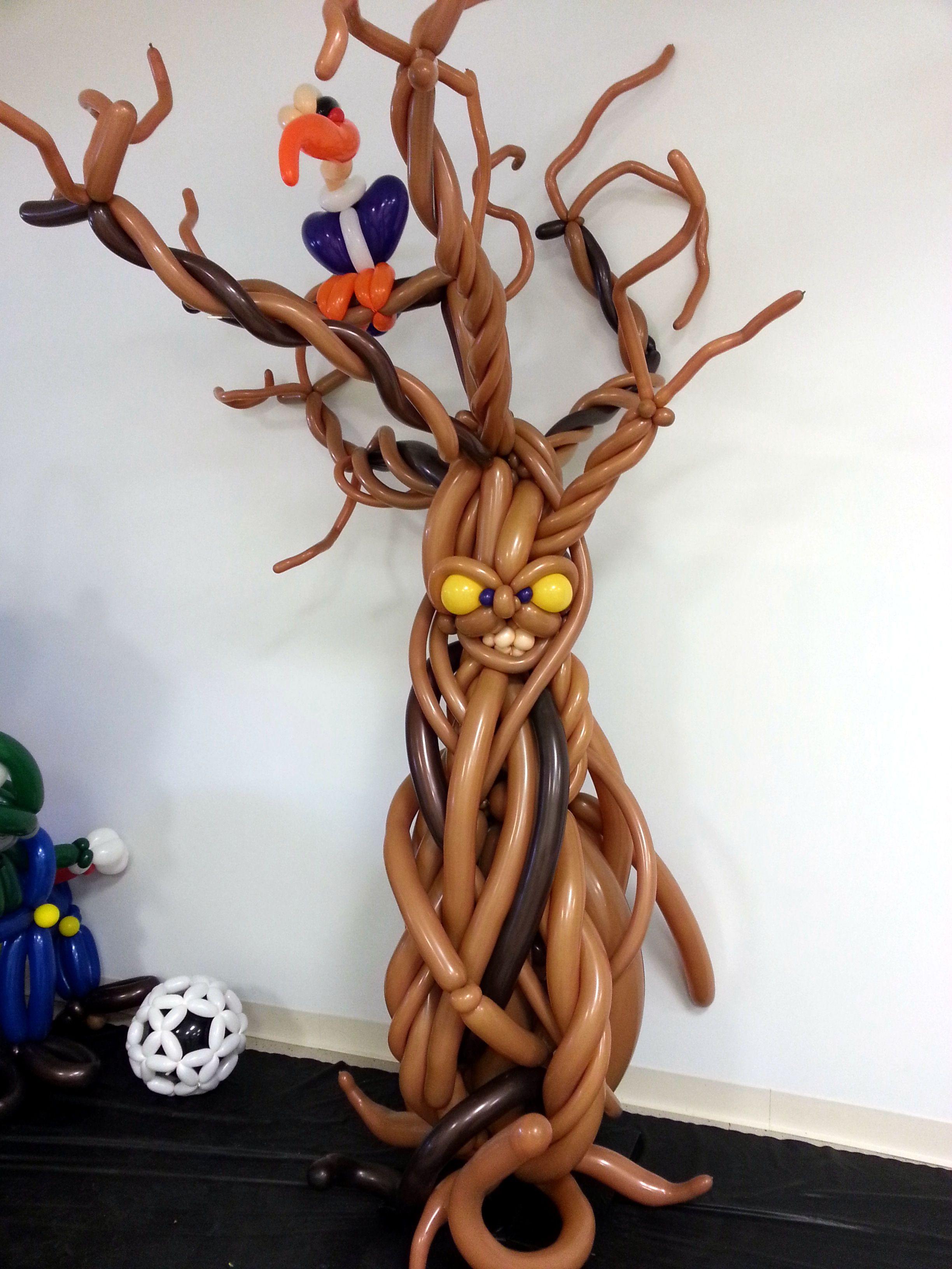 Spooky tree Halloween balloons, Halloween balloons