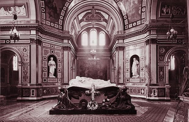 Royal Burial Ground Frogmore Berkshire Uk Queen Victoria Prince Albert And Other Royals Are Buried In This Mausoleum As Well On The Grounds