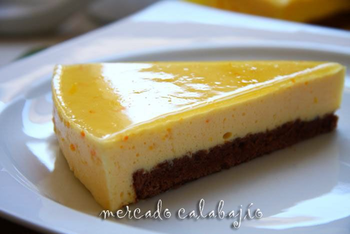 Tarta Mousse De Naranja Con Bizcocho De Chocolate Tartas Bizcocho De Chocolate Mousse De Naranja