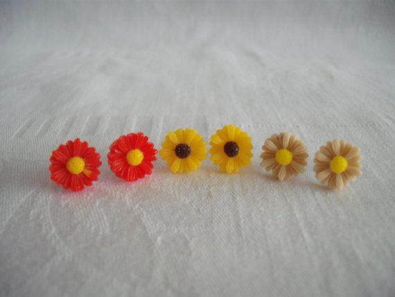 Daisy Earrings for Pierced Ears.Various Colours.Butterfly Backs. Pretty Summer Sun Jewellery.