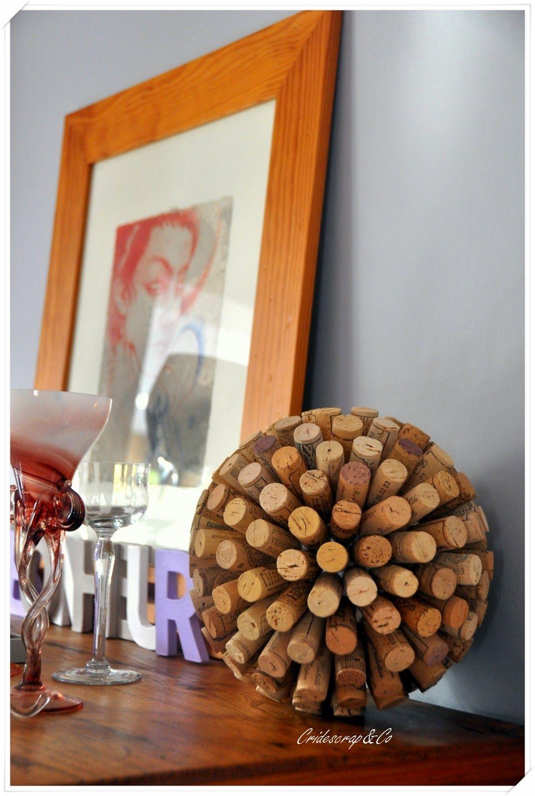 la boutique deco de cridescrap co une boule d co en bouchons de vin en li ge me pinterest. Black Bedroom Furniture Sets. Home Design Ideas
