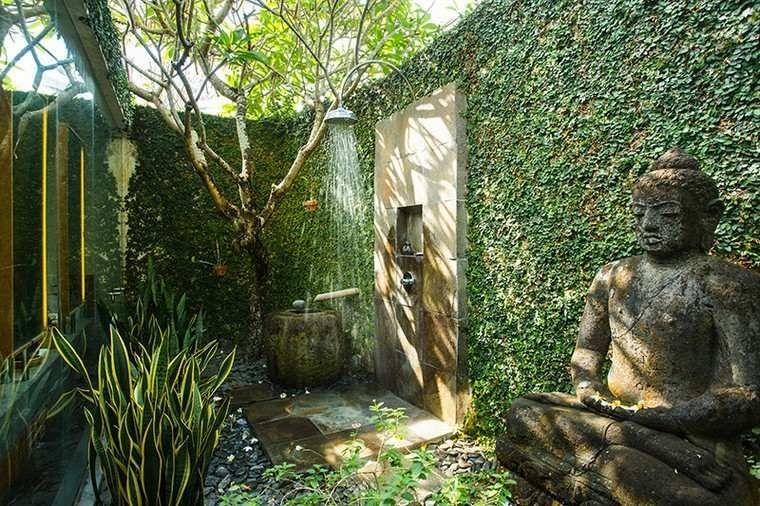 douche-exterieure-idee-salle-de-bain-exterieur Rumah pakem