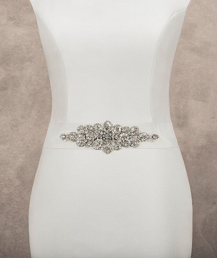 d7b2d1fc7 Cinturón para vesitdo de novia de tul con aplicación de pedrería y plata