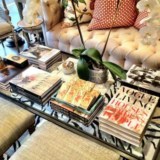 Libros Para Decorar Mesa De Centro Decorar Mesa De Centro Decoración De Mesas De Café Decoraciones De Mesa