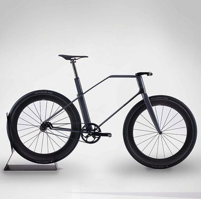 Carbon-Fiber Fixed-Gear Bike, Designed By A Formula 1 Firm