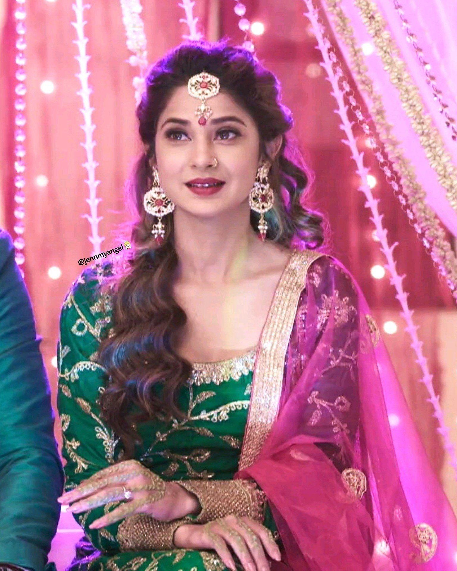 Bepannaah Bepanah Jenniferwinget Zoya Bepannaah Adityahooda Adiya Jenshad Jennifer Winget Womens Hairstyles Indian Bride Makeup