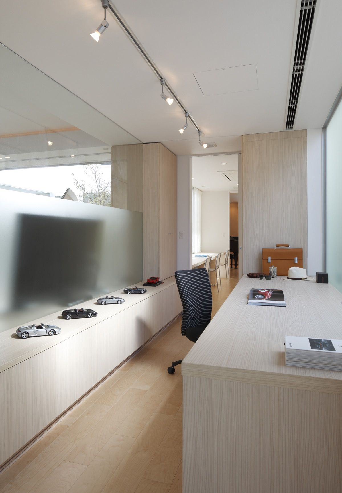 Japanese Home Fusing Modern & Traditional Ideas  Home, Japanese