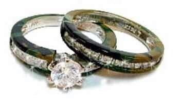 Camouflage Wedding Ring Set This Is Awesome Reminds Me Of Duck