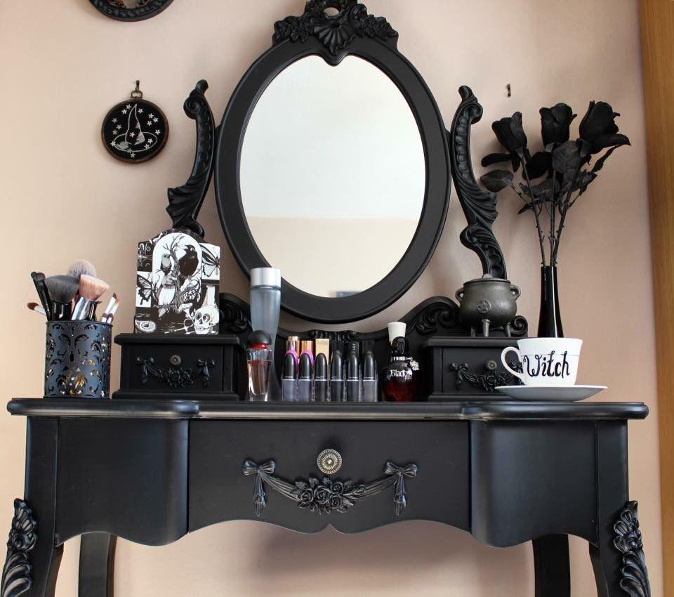 Gothic Vanity My Gothic Embrace Pinterest G Tico Candeleros  # Muebles Goticos