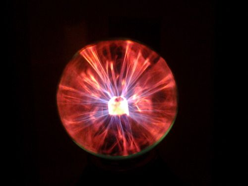Amazon.com - LE USB Powered Plasma Ball - ($8.26 & free shipping)