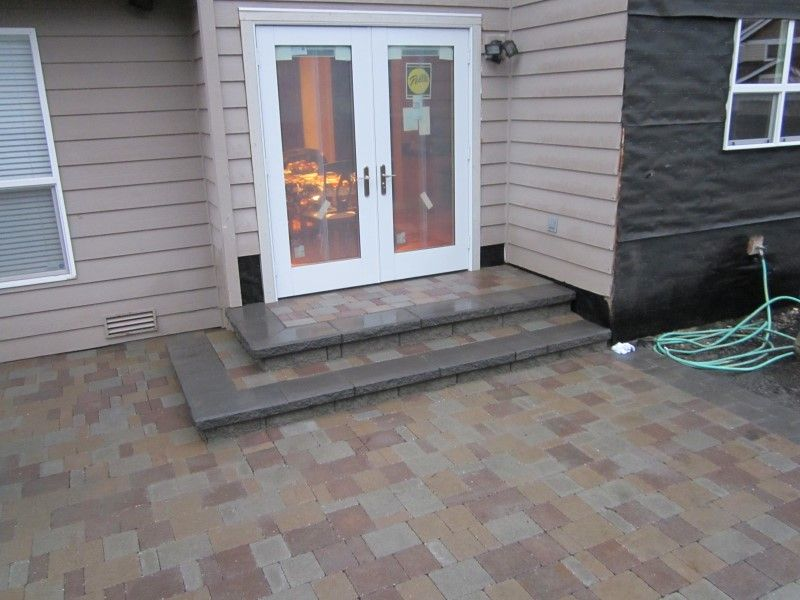 Images Of Steps To Patio Sand Set Paver Patio With A Randomized Pattern And Steps Patio Patio Steps Modern Patio