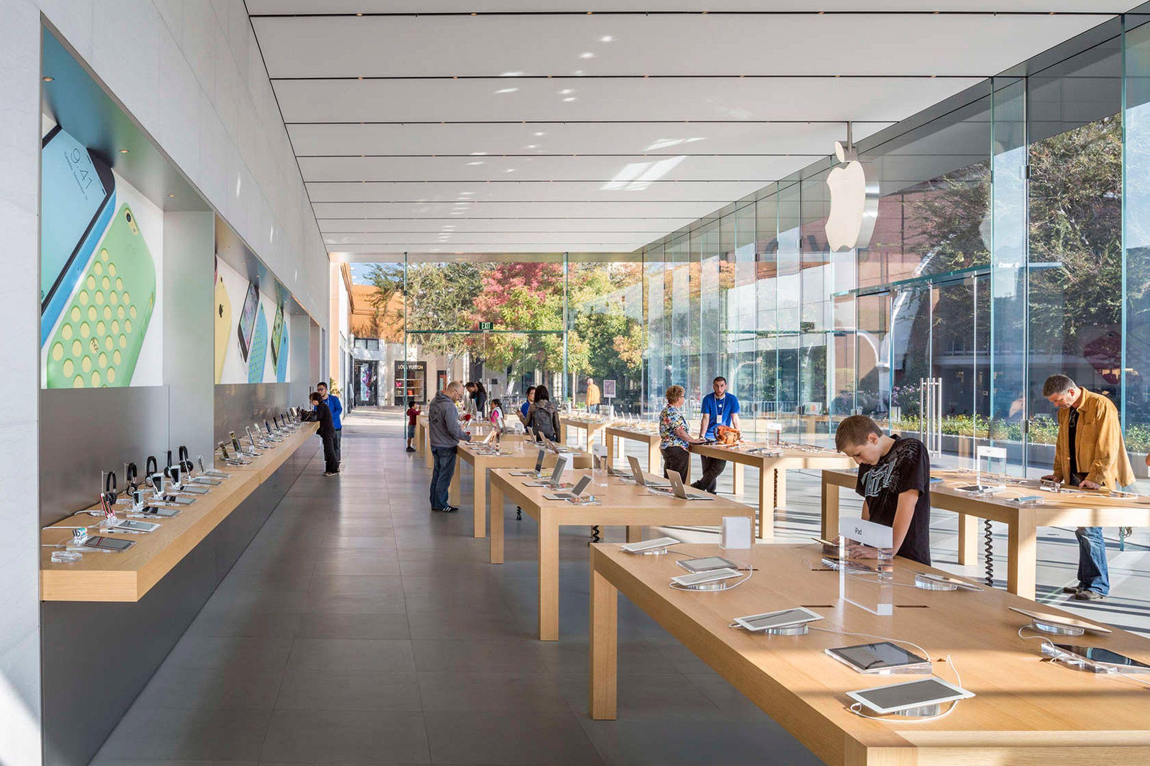 Apple Store Stanford By Bohlin Cywinski Jackson Apple Store Retail Architecture Apple Retail Store