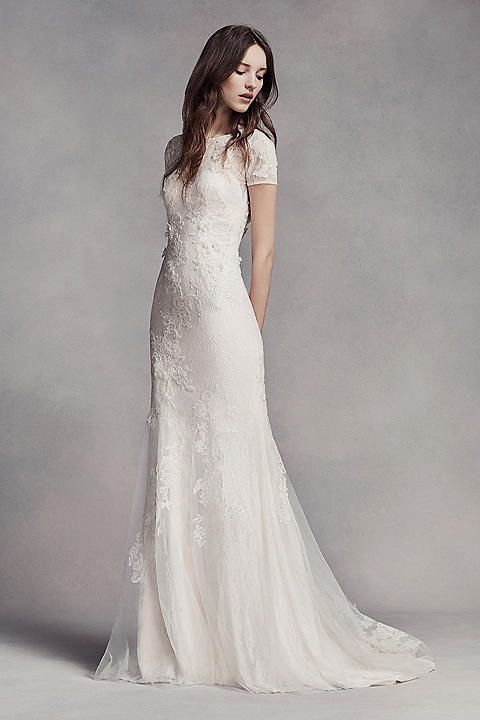 Simple Wedding Dress Brides Imagine Having The Perfect Ceremony But For This They Need Most Bridal With Bridesmaid S