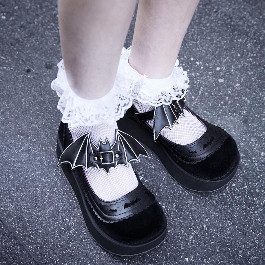 "DEMONIA Gothic Lolita 2 1//4/"" Platform Mary Janes Shoes Removable Bat Cut-Out"