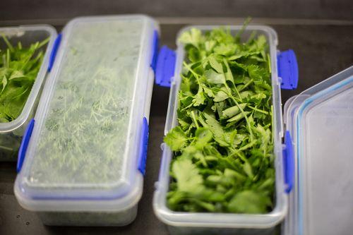 Co zrobić żeby zielenina trwała dłużej — proste jest piękne