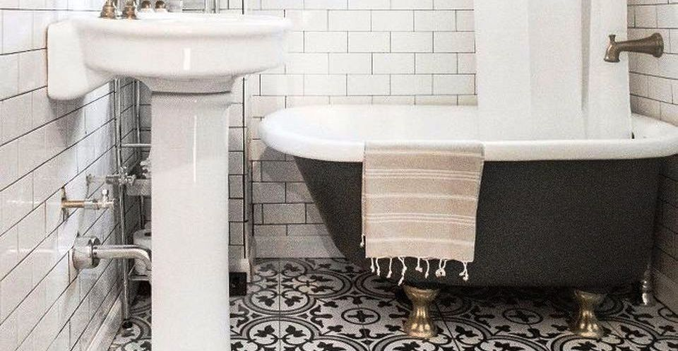 This Is Vintage And Classic Bathroom Tile Design Image You Can
