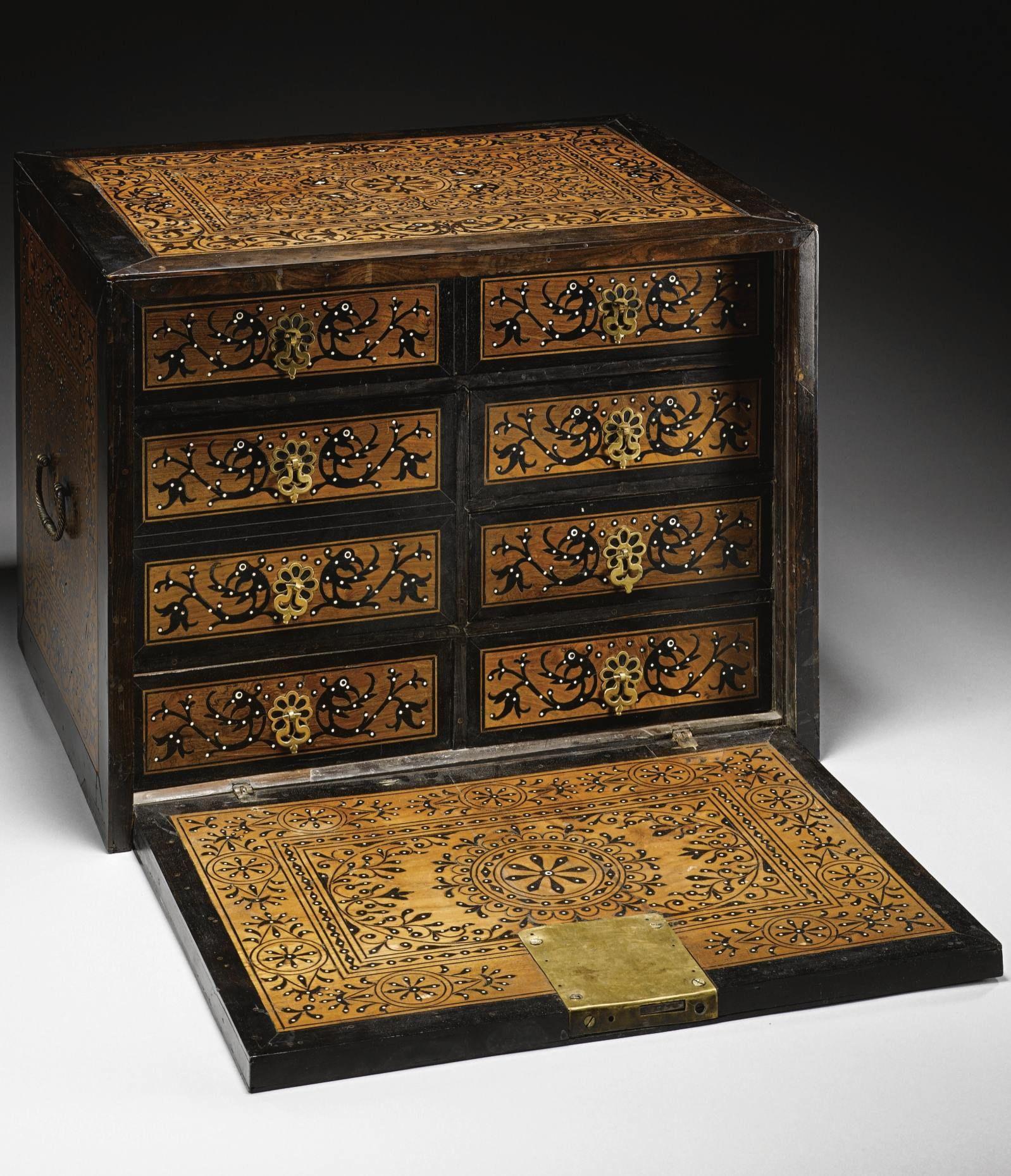 Indo Portuguese Inlaid Cabinet Goa India 17th Century  # Muebles Tibetanos Antiguos