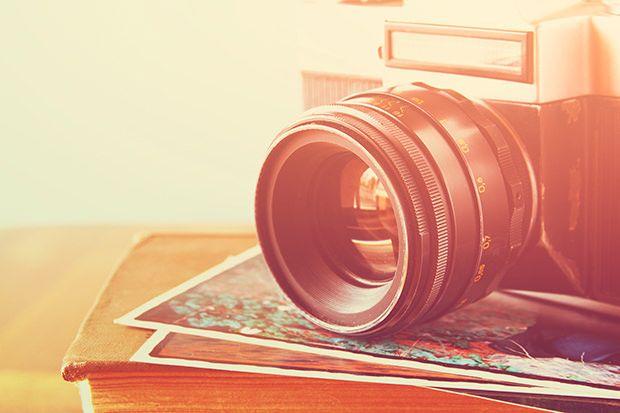 Selbstgemachte #Fotobücher sind individuelle Sammelwerke von einzigartigen Bildern. Wir haben vier kreative Gestaltungsideen zusammengestellt, mit denen Sie Ihr Fotobuch zu einem ganz persönlichen Geschenk machen. #self_made #DIY  http://www.fotos-fuers-leben.ch/inspire/momente/vier-kreative-gestaltungstipps-fur-ihr-fotobuch/