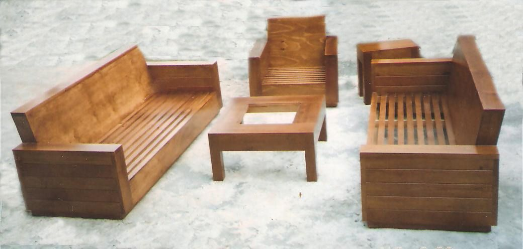 Sillones de madera sillas sillones y taburetes de for Sofas y sillones a juego