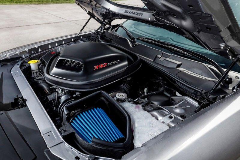 2015 Dodge Challenger Is Sporty At All Levels 6 4l Scat Pack 5 7l V8 Rt And Even V6 Super Track Pak 2015 Dodge Challenger Dodge Challenger 2018 Dodge Challenger