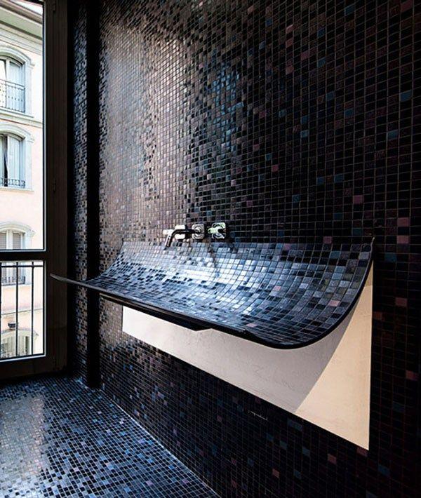 Moderno ba o lujoso con mosaicos negros brillantes - Mosaicos para banos modernos ...