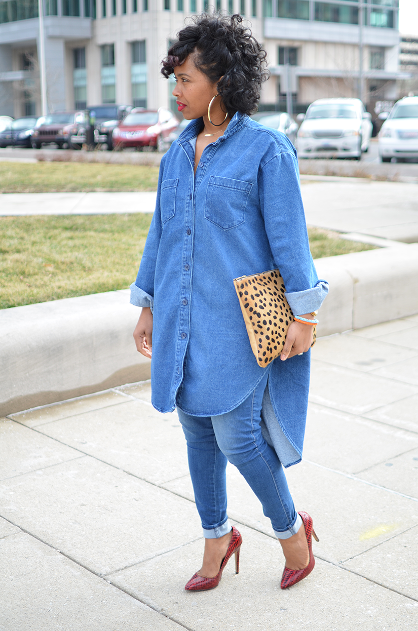 b2a9b963926c Denim Shirt Outfit Ideas For Winter