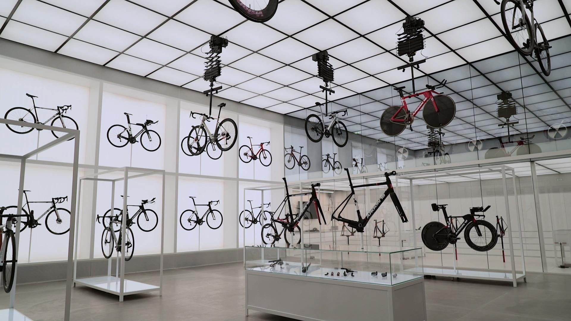 United Cycling LAB & Store designed by Johannes Torpe Studios - a glimpse to the future of retail.  #retaildesign #retailstore #physicalretail #retailexperience argon18 #carbonfibrebicycle #johannestorpestudios #futureofretail