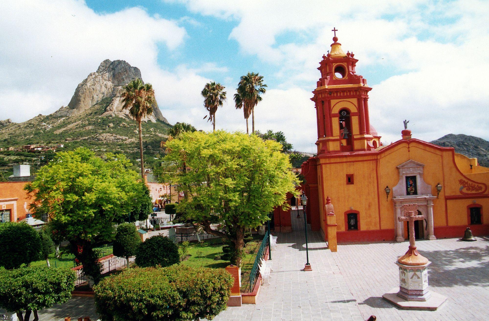Bernal Queretaro Pueblo Magico De Mexico Pueblos Magicos De  # Muebles En Jiquilpan Mich