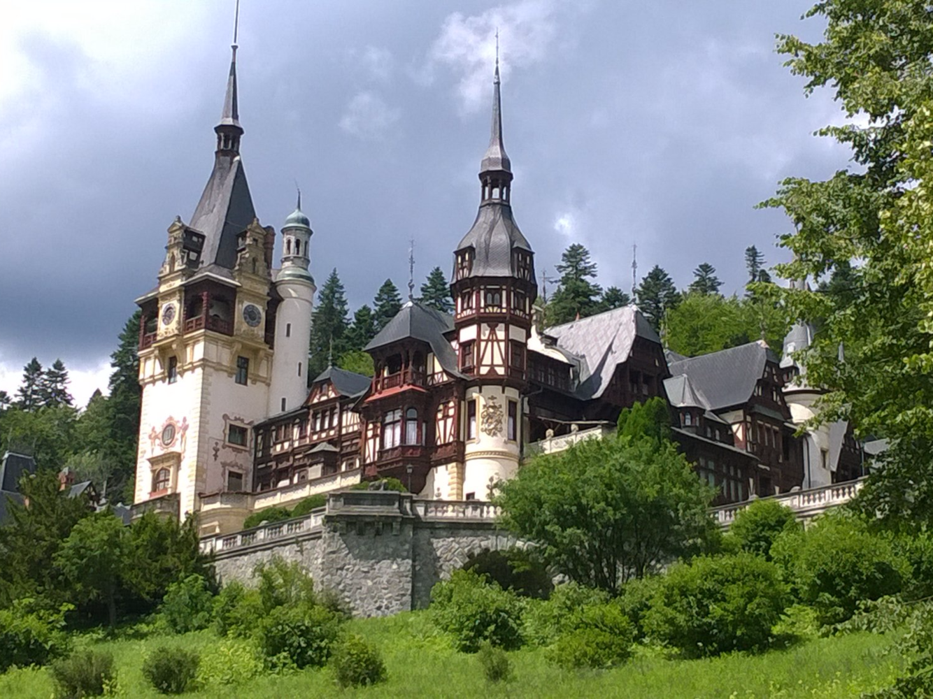 A Christmas Prince Was Filmed In An Actual Castle And You Can Visit It In Real Life Peles Castle Castle Romania